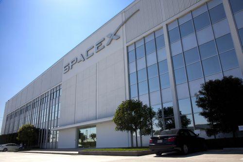 spacex headquarters usa