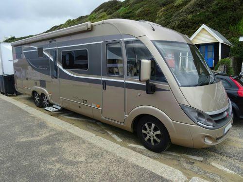 Spacious RV Motorhome Camper