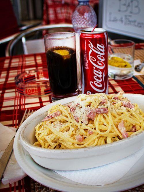 spagečiai,carbonara,pietūs,makaronai,valgyti,italy,makaronai,spagečiai carbonara,teismas,coca cola
