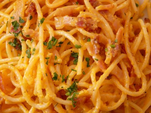 spaghetti spaghetti carbonara cabonara
