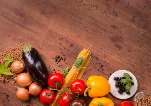 spaghetti ingredients eat italian cuisine