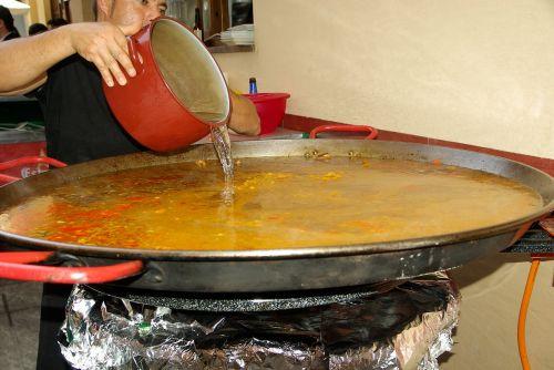 spain paella cook