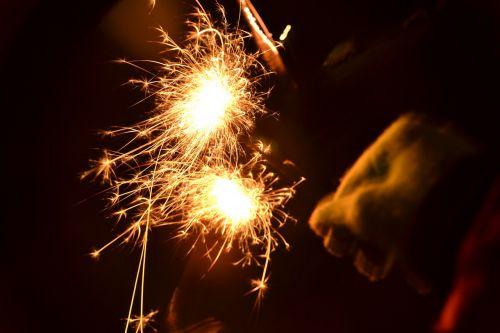 sparkler light new year's eve