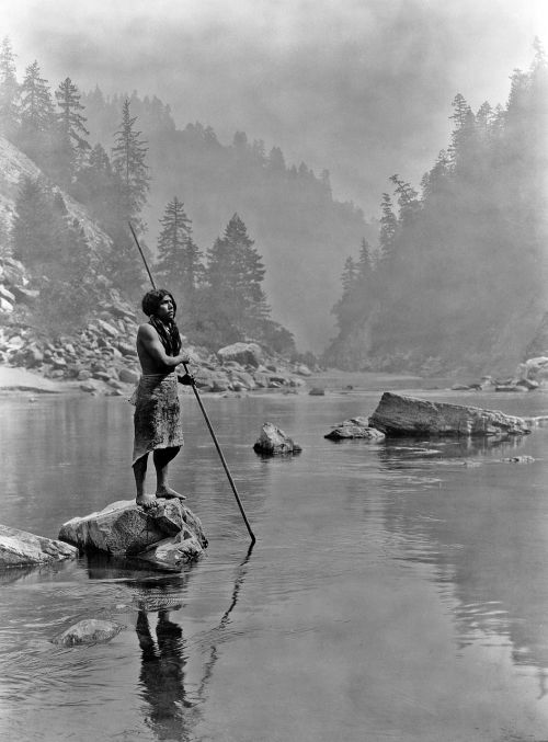 spear fishing indians spear