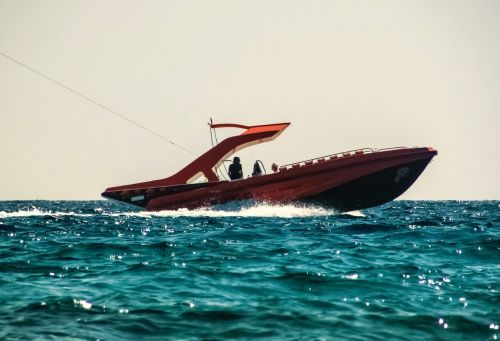 speed boat paragliding sport