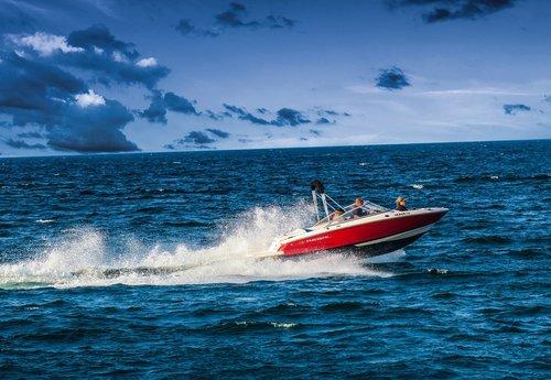 speedboat  powerboat  racing boat