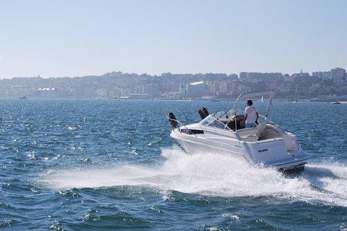 speedboat  boat  speed