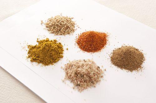 spice seasoning dining table
