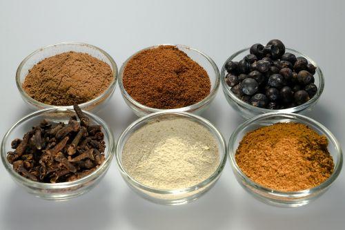 spices white pepper nutmeg