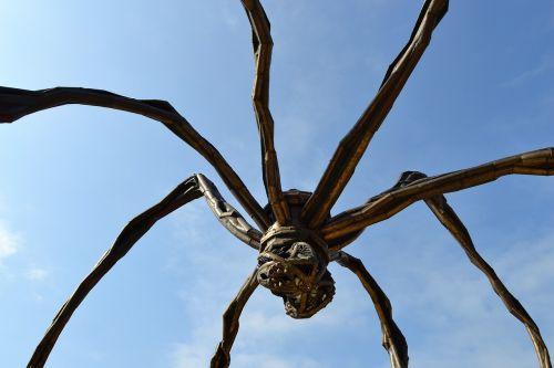 spider guggenheim museum bilbao