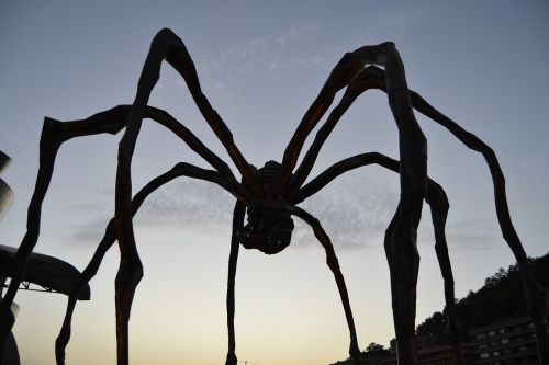 spider guggemheim sculpture