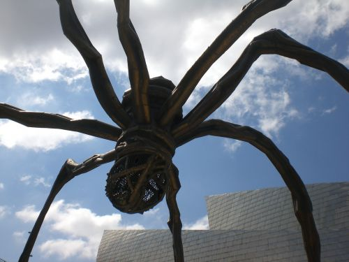giant spider insect sculpture