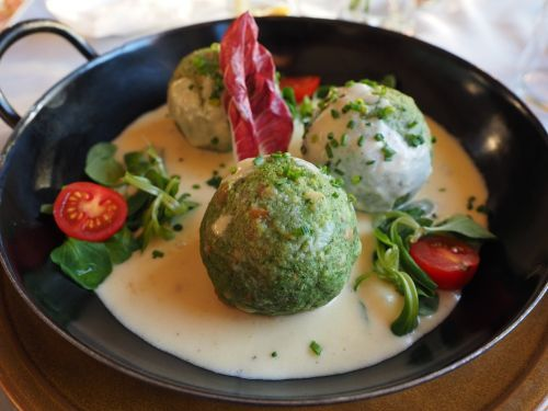 spinach dumplings dumpling mushroom cream sauce