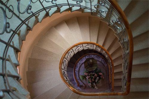 spiralė,laiptinė,laiptinė,žingsniai,laiptai,turėklai