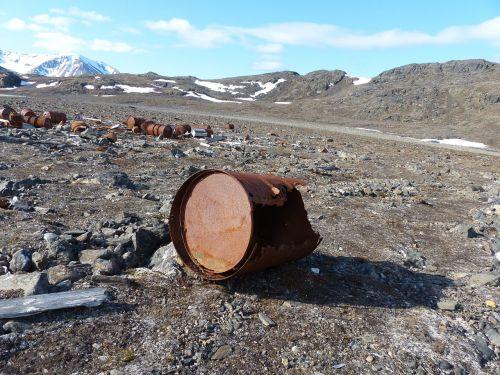 spitsbergen world war wetterstation loneliness