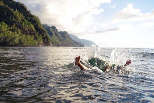 splash jump dive