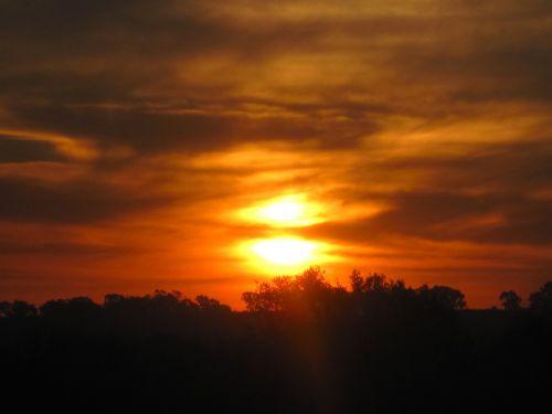 Split Sun Setting