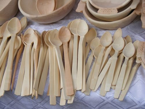 spoons dishes wood