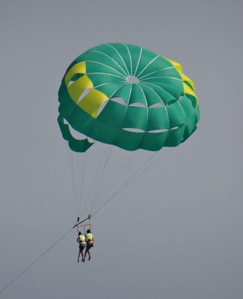 sport parachute flight