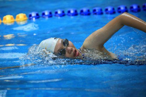 sportas,plaukti,charakteris