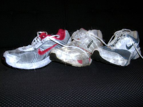 sports shoes sneakers