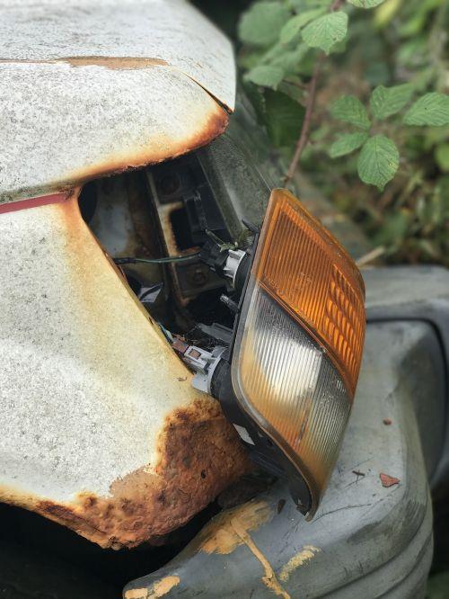 spotlight rusted old car