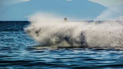 spray jet ski action