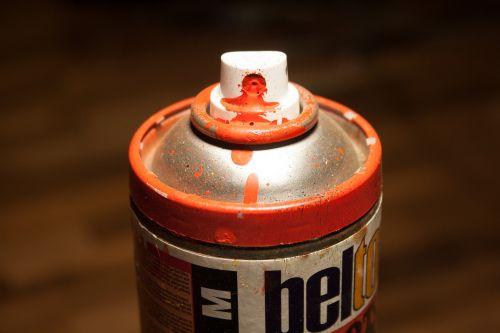spray box spray can