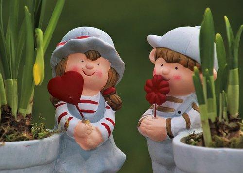 spring  in the garden  figurines