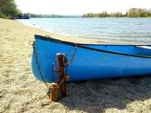 srebrno jezero lake boat