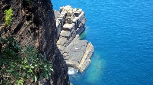 Šri Lanka,kranto,jūra,Trincomalee,koneshwaran,mėlynas vanduo,skaidrus vanduo,gilus vanduo,uolos