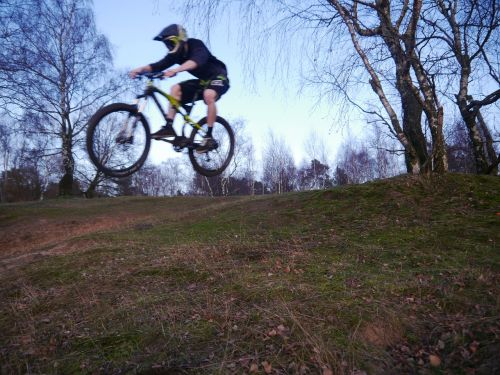 srpung dig trenches mountain bike
