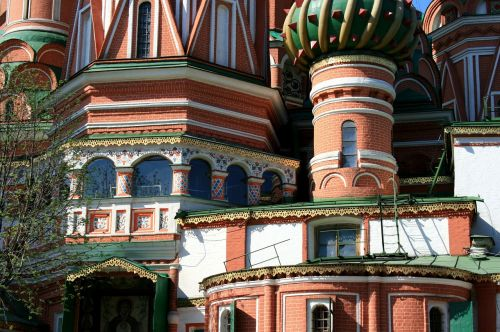 st basil's cathedral multicolored windows