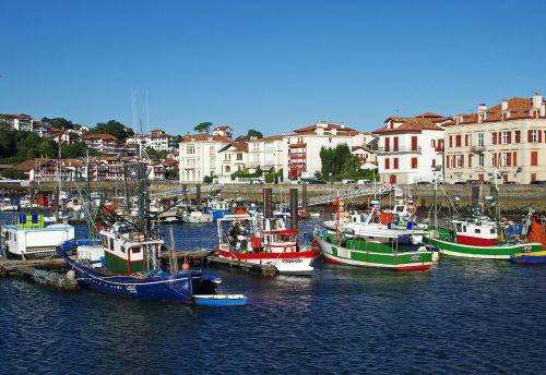 st-jean-de-luz port boats