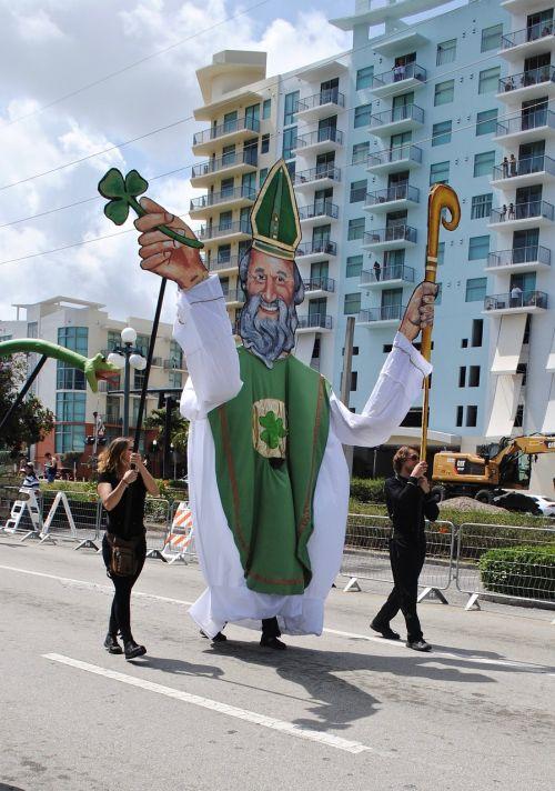 st patrick's day parade green