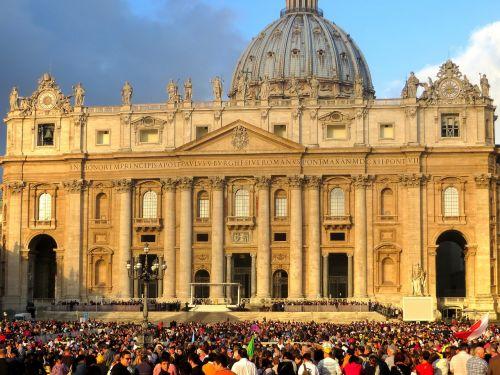 St Peteris,bazilika,Vatikanas,auditorija,katalikų,religija,krikščionis,krikščionybė,tikėjimas,religinis,Roma,italy,teologija,tikėk,katalikybė,popiežius,bažnyčia,šventas,orientyras,katedra,architektūra,ispanų,pietro,romėnų,paminklas,senovės,turizmas,kvadratas,kelionė,kupolas