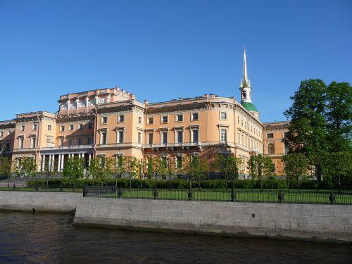 st petersburg famous sightseeing mikhailovsky palace