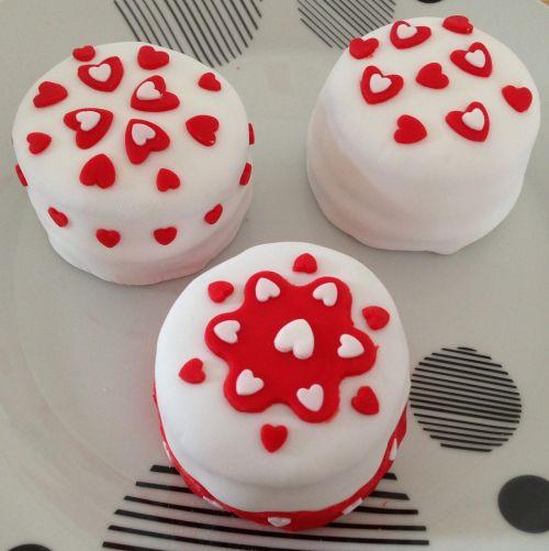 st valentin heart cake