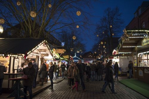 stade christmas market evening