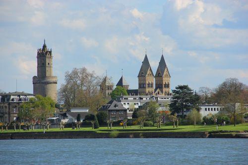 city castle rein