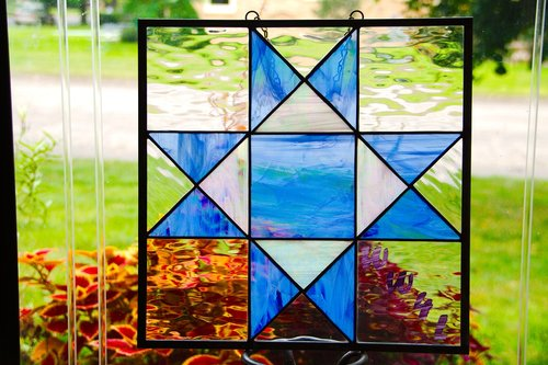 stained glass  barn quilt  benefit