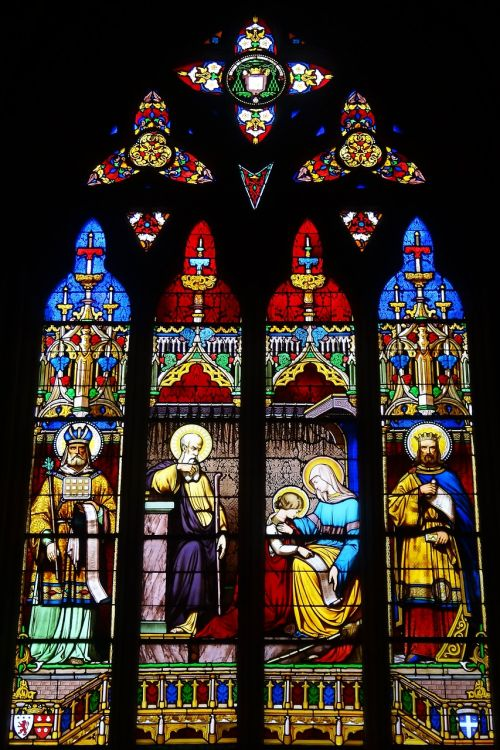 stained glass windows colors church