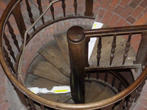 stairs round descend