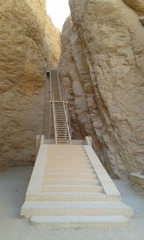 stairs aegytisch burial chambers