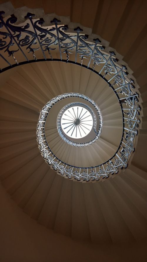 stairs spiral queens-house