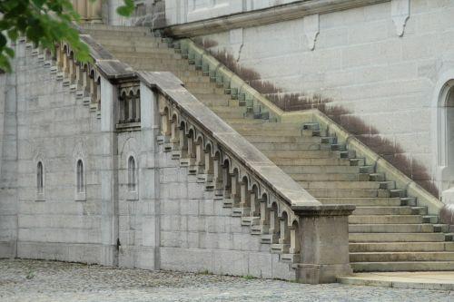 stairs neuschwanstein castle courtyard
