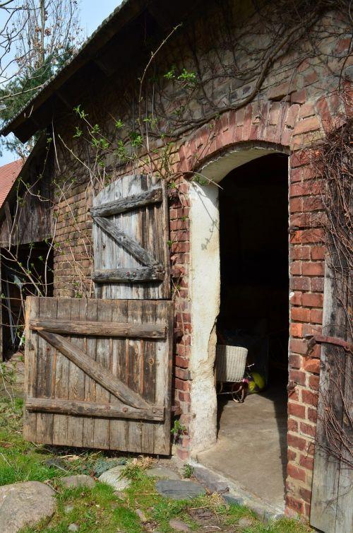 stall barn door village