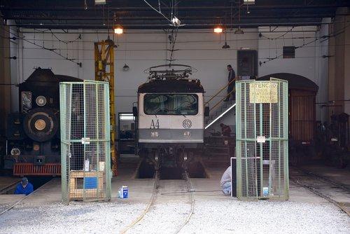 station  train  maintenance