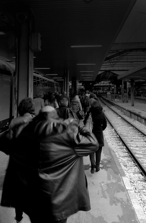 station railway platform arrival