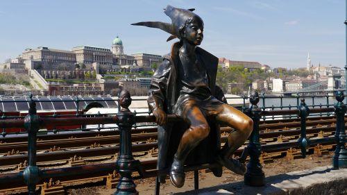 statue street statue budapest